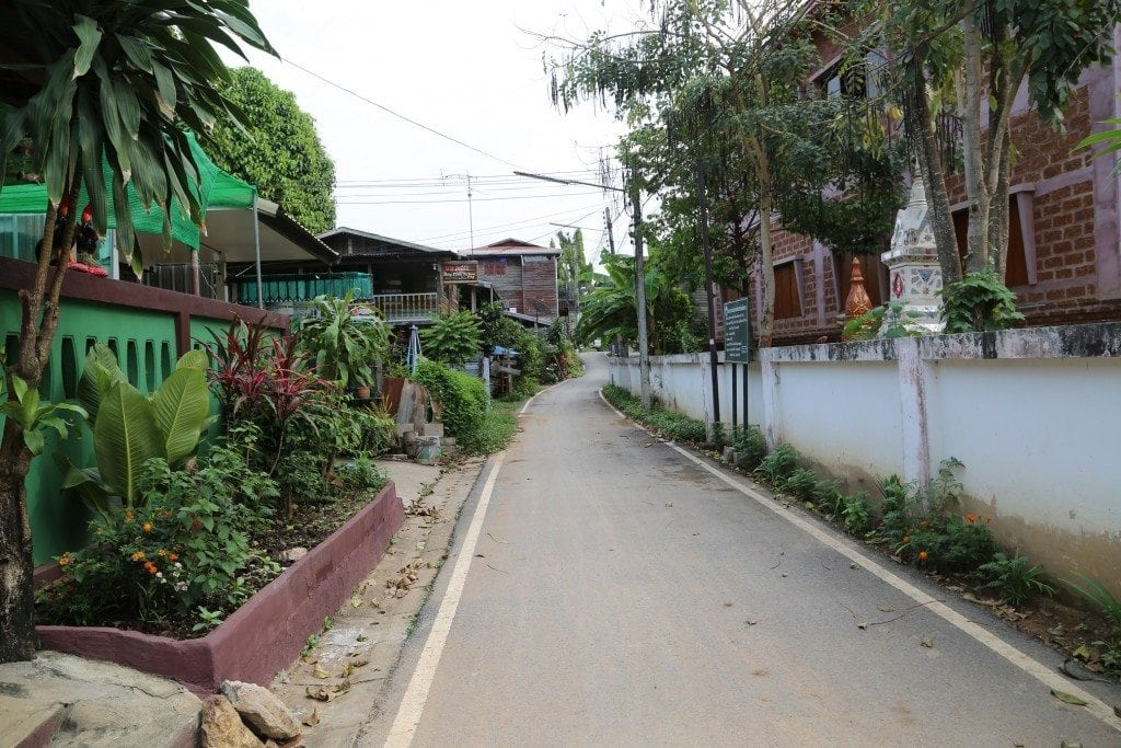 Chaing Khan Thailand side street