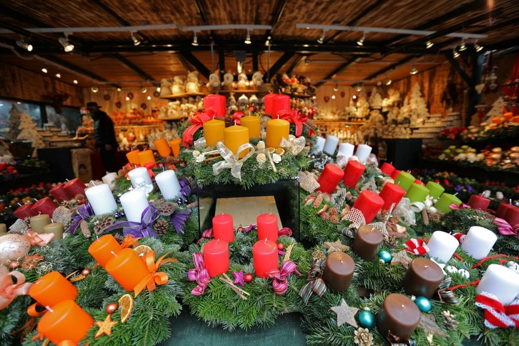 candles-at-salzburg-christmas-market