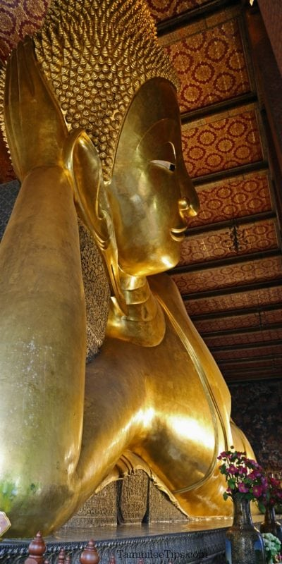 What to expect when visiting Wat Pho Reclining Buddha Temple in Bangkok Thailand #bangkok #thailand #buddha #watpho